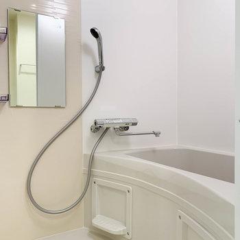 浴室乾燥や暖房機能の付いたお風呂です。