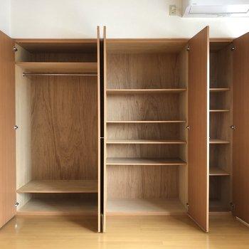 クローゼットはややコンパクトでしょうか。※写真は5階の同間取り別部屋のものです