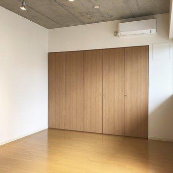 こちらは収納。※写真は5階の同間取り別部屋のものです