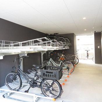 自転車置き場はたくさん