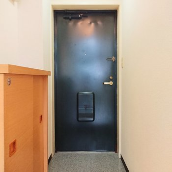 コンパクトな玄関