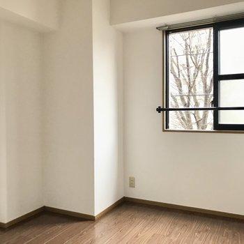 4.5帖のミニ洋室はちょっとした仕事部屋にしてもいいですね!