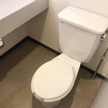 トイレは洗面横にオープンに。(※写真は4階の同間取り別部屋のものです)