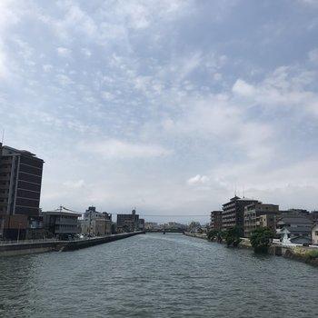 歩いてすぐのところには宇美川。気持ちがいい眺め!