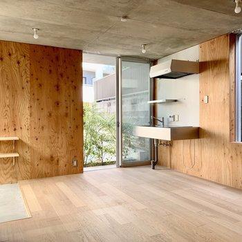 木の素材を存分に使われたお部屋です。