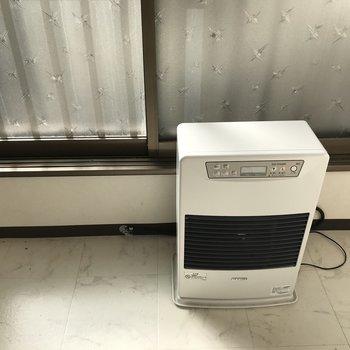 暖房器具もついてます◎1ルームだから直ぐ暖まりそう