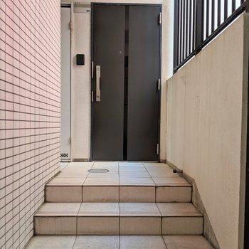 1階には1部屋、このお部屋だけメゾネットタイプなんです!!