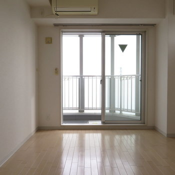 エアコンも完備です※写真は8階同間取り・別部屋のものです。