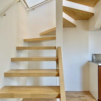 さて、2階に上がってみましょう。
