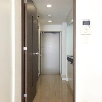 水回りをみていきましょう。※写真は7階の反転間取り別部屋のものです
