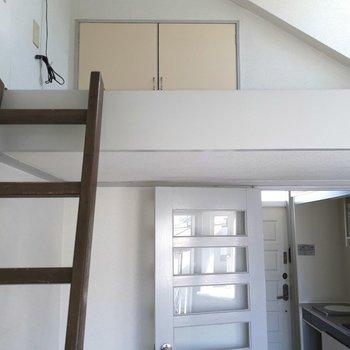 ロフトがちらり※写真は6階の同間取り別部屋のものです