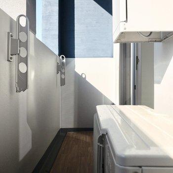 日当たり良好で洗濯物が良く乾きそう。※写真は6階の同間取り別部屋のものです