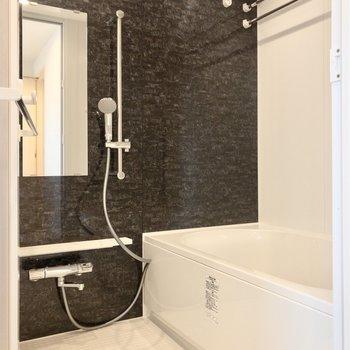 雨の日も安心の浴室乾燥機付き。