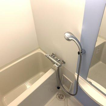 シャワーヘッドが大きいのは嬉しいな!(※写真は13階の同間取り別部屋のものです)