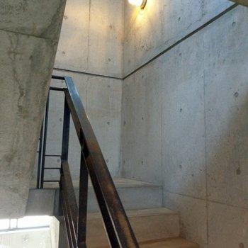 階段を登るだけでワクワク!