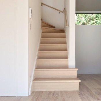 さて、階段をのぼって2階へ。