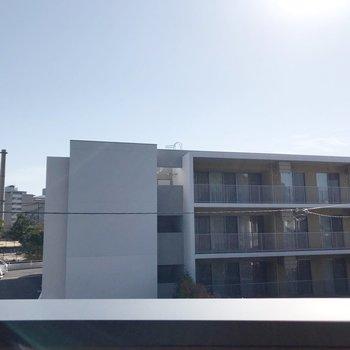 【6帖】太陽が近い!建物とは離れているので光がしっかり入ります。