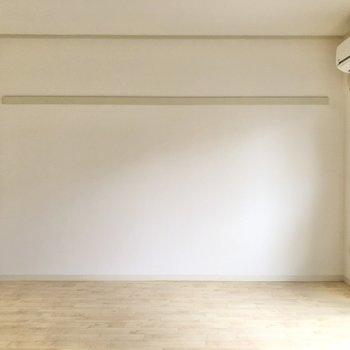 【洋室6帖】長押を活用して模様替えも簡単に。