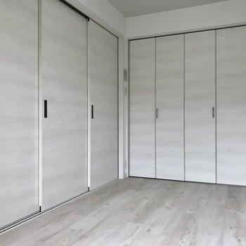 扉を閉めれば一気にプライベート空間の出来上がり!※写真は2階の同間取り別部屋のものです