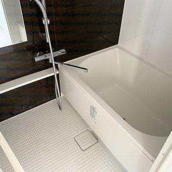 浅めのお風呂は半身浴もいいですね◎