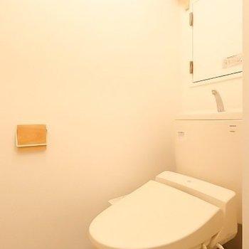 トイレの小物もお部屋の雰囲気にマッチ。