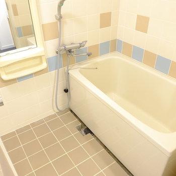お風呂は既存をリニューアル。※前回工事したお部屋の写真です。