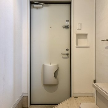 コロンとしたのがかわいい玄関(※写真は清掃前です)