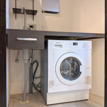 ドラム式洗濯乾燥機付きです