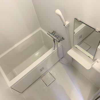 浴室は十分な広さが確保されています。