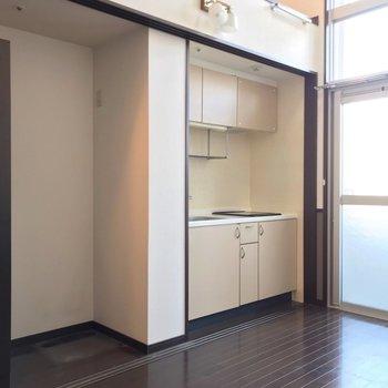 隣にはキッチンも隠れていましたよ◎冷蔵庫置場はクローゼットの隣に。