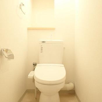 奥の棚が珍しい形!良い雰囲気です。※写真は5階同間取り・別部屋のものです。