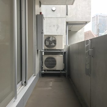 広々バルコニー!しっかり洗濯物干せますね※写真は2階の同間取り別部屋のものです