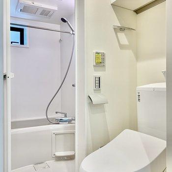 トイレは脱衣空間にあります。