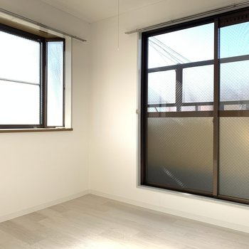 2面採光の明るいお部屋は、暖かくもありました〜!