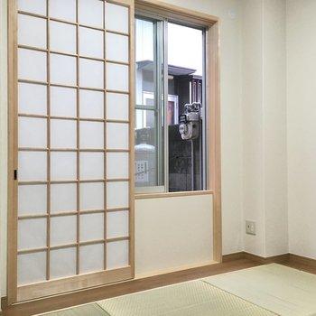4.5帖のコンパクトは和室!襖側はテラスにでるドアになっています。