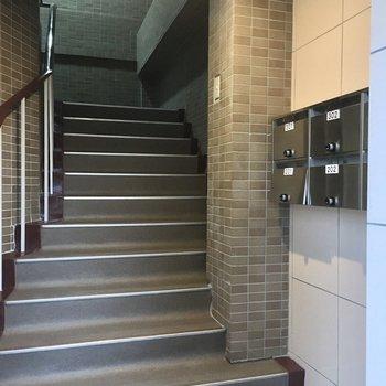 階段で3階までGO〜!