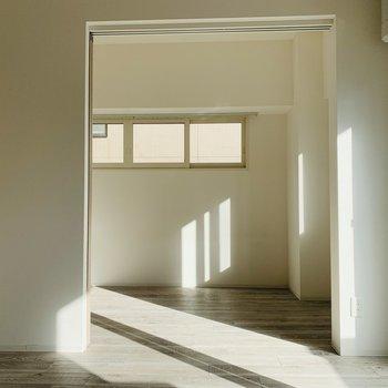 開けると開放感〜明るい光が入ってきます