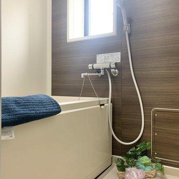 お風呂には窓がついているので、換気がしやすい
