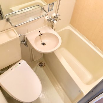 バスルームは一カ所にギュッと。