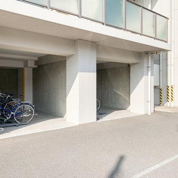 駐輪場・バイク置場もありましたよ。