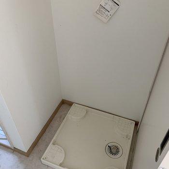 お風呂の隣に洗濯機置場があるので、家事動線◎