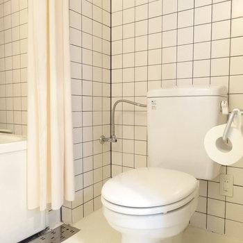 トイレはオープンスタイル。(※写真は3階の反転間取り別部屋のものです)