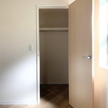 次はこちらのドア。