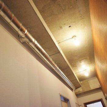男前な天井。※写真は1Fのお部屋。
