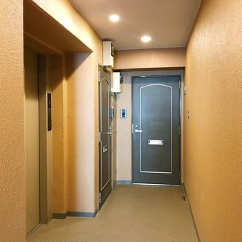 共用部。エレベーターあります。