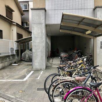 このエリアだと自転車は持っておきたいですね!