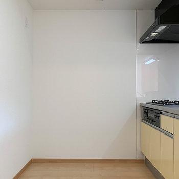 【LDK】キッチンスペースは広めの作りです。