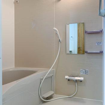 浴室乾燥や暖房、追い焚き機能付きのお風呂です。