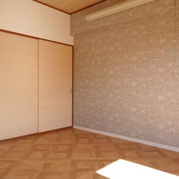 洋室は6帖。日当たりも良いので寝室向きですね。