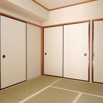 和室は押入れ収納付き。部屋ごと収納として割り切れば、他のお部屋が有効活用できる。